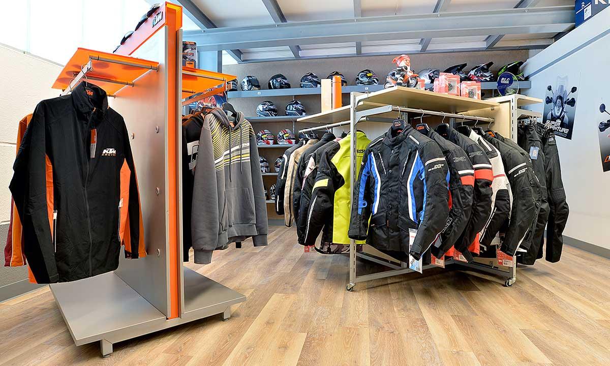 KTM Vertragshändler Motorradsport Schmitt in Binningen - KTM Showroom