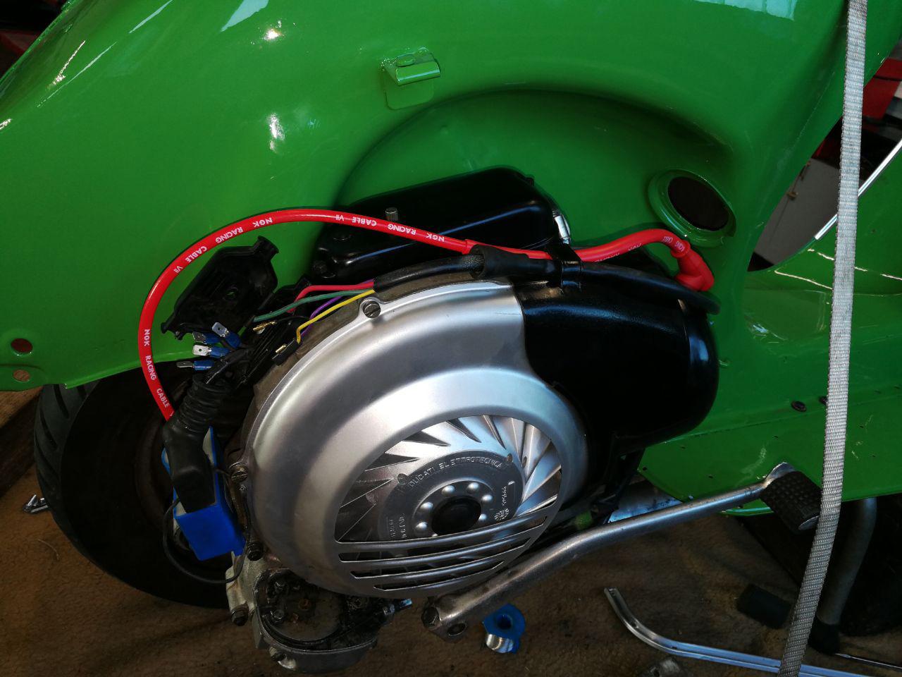 KTM Vertragshändler Motorradsport Schmitt - Restrauration Vespa PX 80